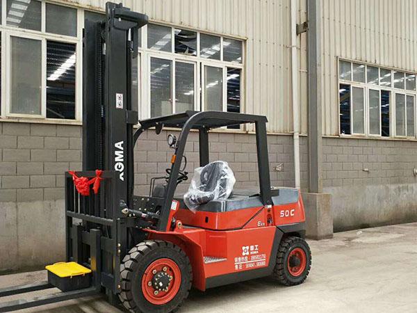 福建某新型管业科技有限公司采购厦工E系列5吨叉车