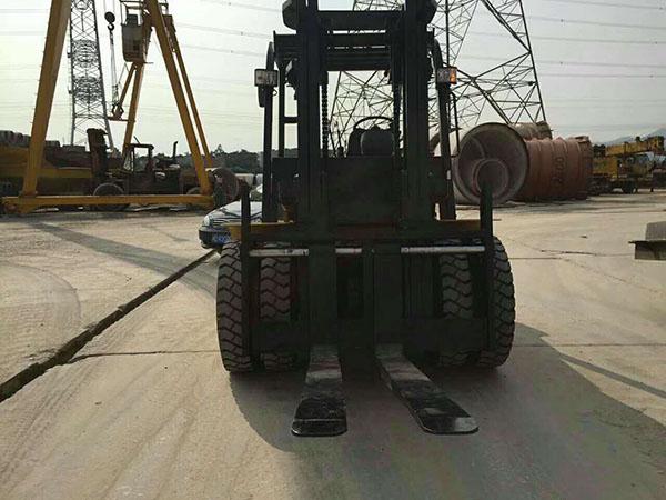 厦工7.5吨超力士助力厦门某水泥制品有限公司