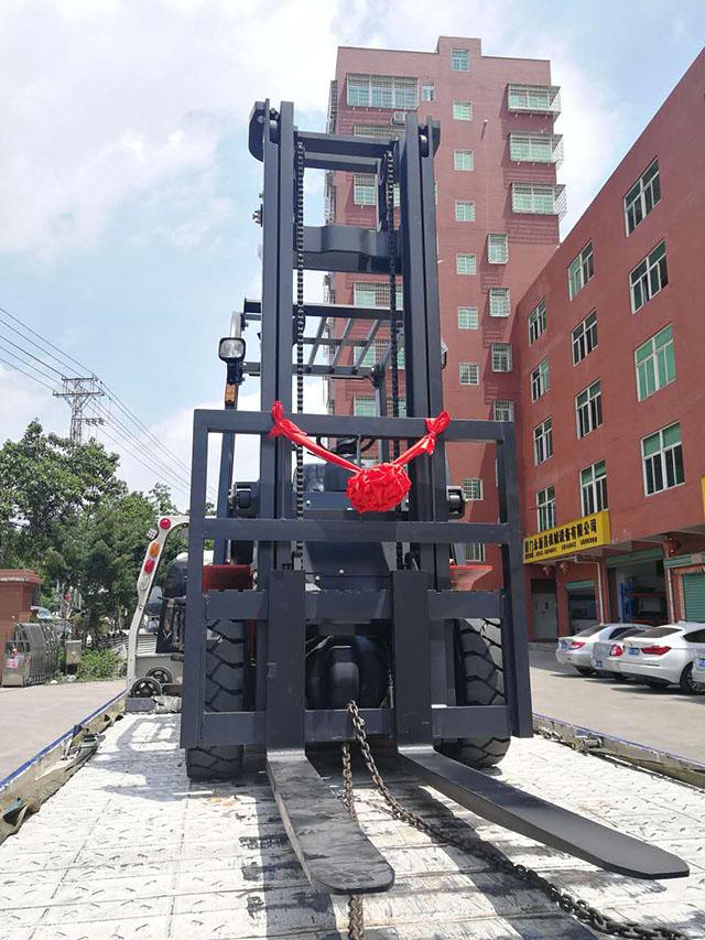 厦门同安某货运物流公司采购厦工E系3.5吨叉车