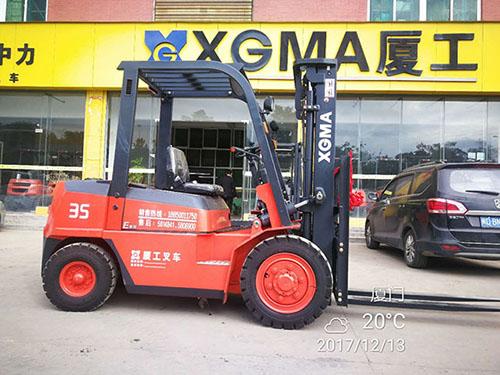 厦门海沧某仓储有限公司采购厦工3.5吨叉车