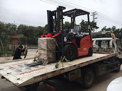漳州叉车永新昌分公司销售厦工2吨电动叉车一台