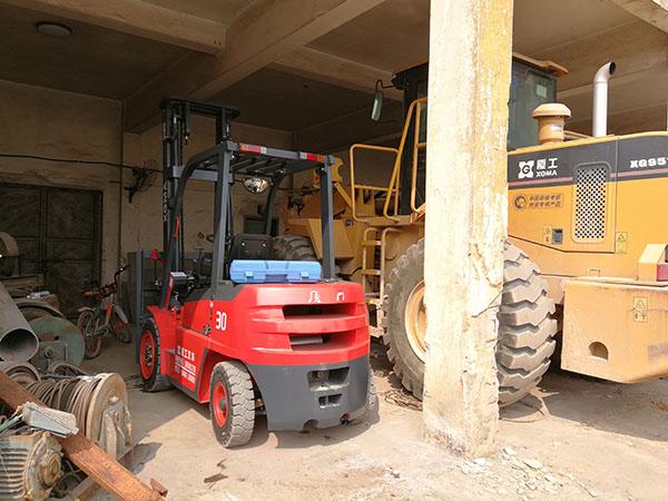 某(厦门)贸易有限公司采购厦工内燃平衡重式叉车