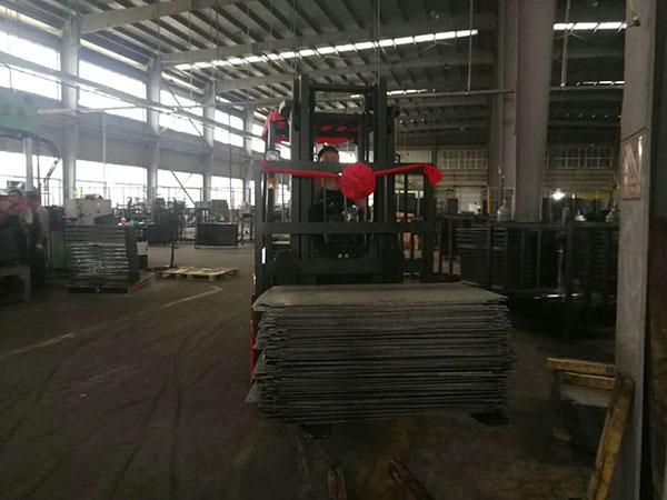 漳州某工厂仓库再次采购厦工叉车一台顺利交车