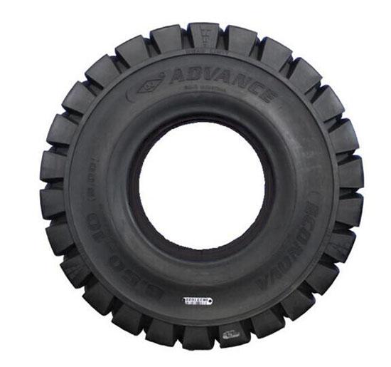 叉车轮胎更换标准,叉车轮胎怎么换,叉车轮胎的规格型号