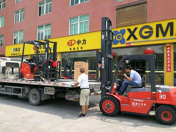 厦门市翔安区某蔬菜加工采购厦工1.6吨电动叉车