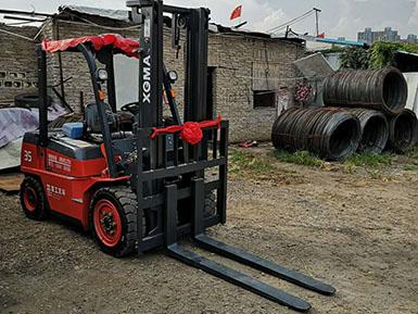 厦门某金属材料有限公司采购厦工3.5吨内燃平衡重式叉车