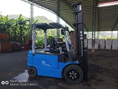 漳州某纸业公司采购比亚迪3.5吨平衡重式电动叉车