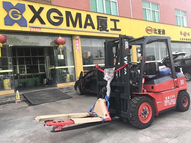 某塑胶制品采购手动叉车和3吨内燃叉车各壹台