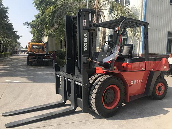 漳州长泰8.5吨柴油叉车顺利交付客户使用