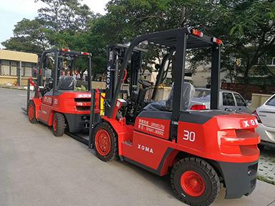 3吨柴油叉车提高物资作业效率,降低人员劳动强度
