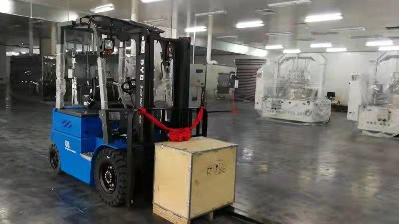厦门永新昌机械出货比亚迪CPD30平衡重式叉车交付客户